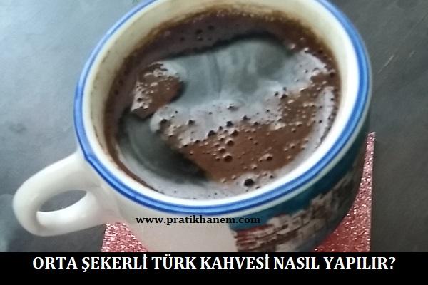 Orta Şekerli Türk Kahvesi Nasıl Yapılır