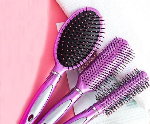 Saç Fırçası Nasıl Temizlenir-1